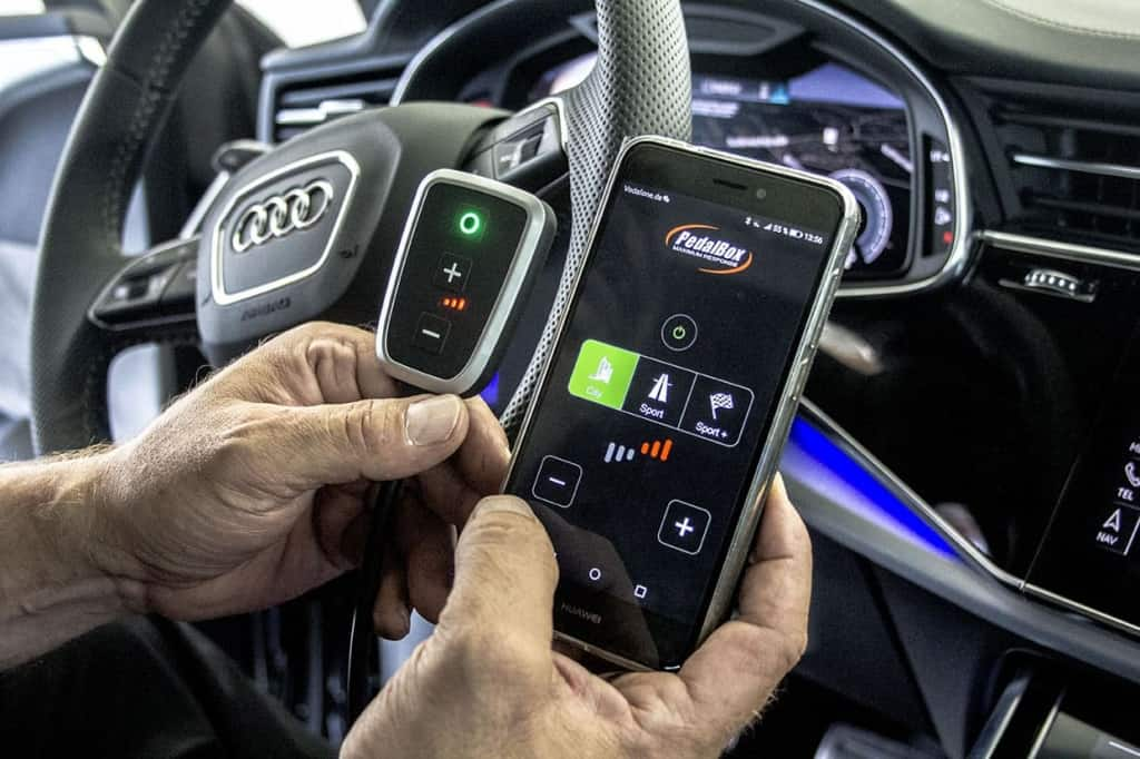 audi_q8_with_pedal